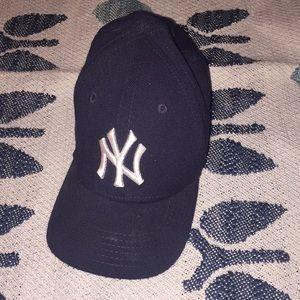 Toddler Yankees hat